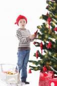 мальчик украшения рождественская елка — Стоковое фото