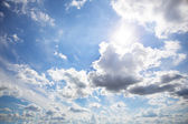 Clouds on sunny sky — Stock Photo