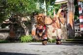 Barong Dance show, Indonesian  mythology perform — Stock Photo