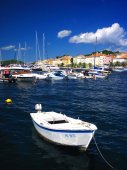 Yachts in a summer harbour — Stock Photo