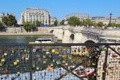 Love locks near the Pont Neuf in Paris, France — Stock Photo