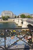 Love locks near the Pont Neuf in Paris, France vertical — Stock Photo