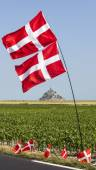 Mont Saint Michel Monastery and Norwegian Flags — Stock Photo