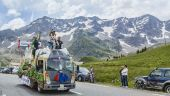 Carrefour Vehicle on Col du Lautaret — Stock Photo