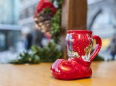 German Wine Christmas Cup in Shape of a Boot — 图库照片