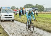 The Cyclist Alessandro Vanotti on a Cobbled Road - Tour de Franc — Stock Photo