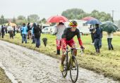 The Cyclist Daniel Navarro Garcia on a Cobbled Road - Tour de Fr — Stock Photo