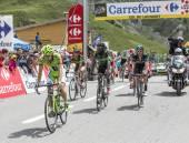 Het Peloton op de Col du Lautaret — Stockfoto