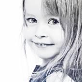 Mädchen lächelnd — Stockfoto