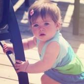 Sweet baby girl — Stock Photo