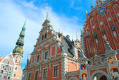 Famous House of Blackheads on the Town Square in Riga with a Chu — Stock Photo