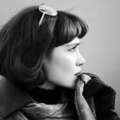 Portrait of beautiful fashion woman outdoor — Stock Photo