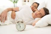 Young couple sleeping — Stock Photo