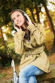 Écouter de la musique — Photo