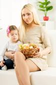 Cute Mom And Daughter With Baked Products — Stock fotografie