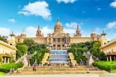 Narodowe Muzeum Sztuki katalońskiej — Zdjęcie stockowe
