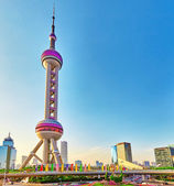 SHANGHAI-MAY 25, 2015. Oriental Pearl Tower on  blue sky backgro — Stock Photo