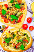 Closeup pizza cheese meat basil — Foto Stock