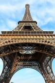 Eiffel tower most popular attractions in Paris — Stock Photo
