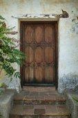 Antique doorantique door — Stock Photo