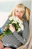 Beautiful middle aged pregnant female — Stock Photo