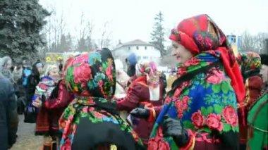 Shrovetide (Maslenitsa) celebration in Kiev, Ukraine. — Stok video