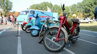 Motorcar line, Old Car Fest 2014, Kiev, Ukraine. — Stock Video