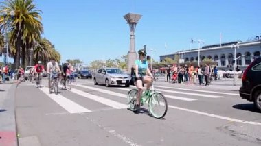 Naked Bike Ride 2015 in San Francisco, USA. — Stock Video