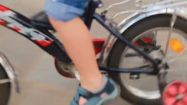 Boy riding the bicycle — Stock Video