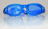 Blue goggles for swimming — Stockfoto