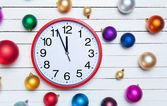 Clock and Christmas toys. — Stockfoto
