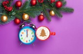 Cappuccino and christmas tree shape with alarm clock  — Foto de Stock
