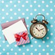 Alarm clock and gift box with envelope  — Stock Photo #71483801