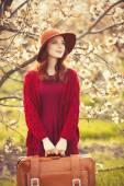Mujer suéter rojo — Foto de Stock