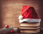 Santas hat and pine brench — Stock Photo