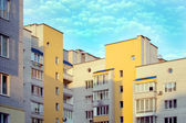 New multi-storey, brick home in the city quarter — Foto de Stock