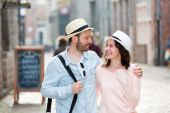 Young couple visiting city during holidays — Stock Photo