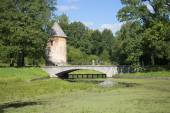 View of the pavilion Рil-tower in the Pavlovsk Palace  Park — Stock Photo