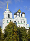 View of Trinity Cathedral Sunny autumn day. Pskov — Stock Photo