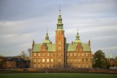 View the Rosenborg castle autumn evening. Copenhagen — ストック写真