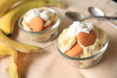 Individual portions of banana pudding — Stock Photo