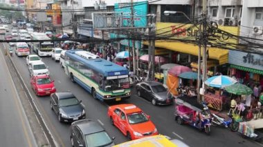 Moving traffic in Bangkok, Thailand — Stock Video