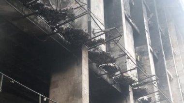Burnt building of trade union on the Khreshchatyk street in Kiev, Ukraine — Stock Video