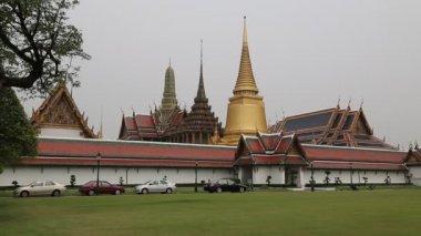 Templo do buda esmeralda em bangkok, tailândia — Vídeo stock