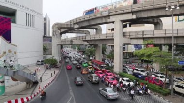 Road traffic in Bangkok, Thailand — Stock Video