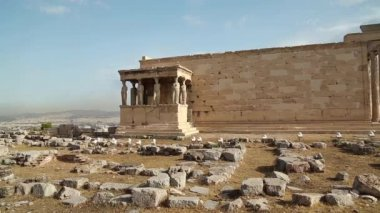 Antique temple in Athenian Acropolis — Stock Video