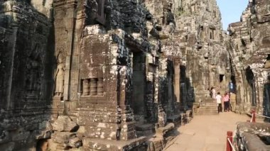 Bayon - ancient Khmer temple in Angkor — Stock Video