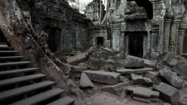 Bayon - ancient Khmer temple — Stock Video