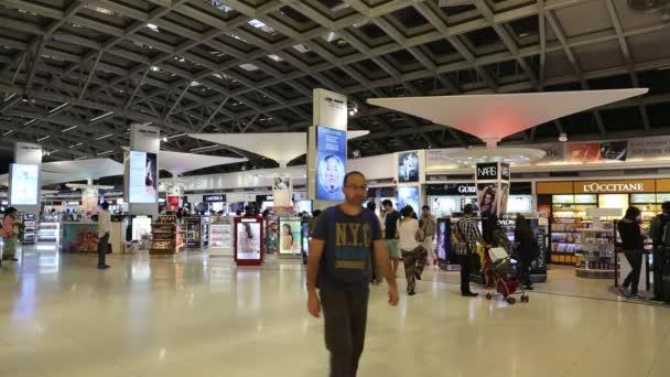 Las personas deber libre Aeropuerto — Vídeo de stock