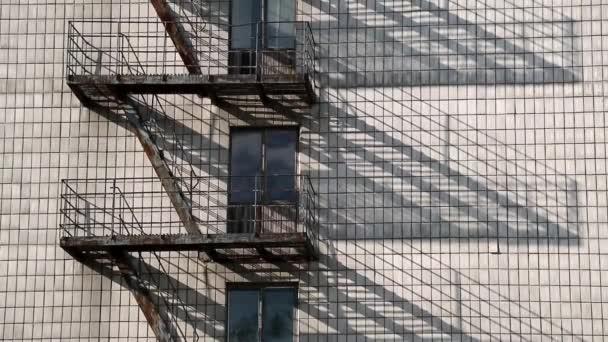 Escalera de incendios — Vídeo de stock